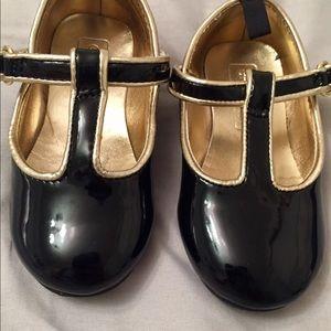 Infant Girl Sz 5 Crazy 8 Black Patent Dress Shoes